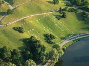 необычное поле для футбола